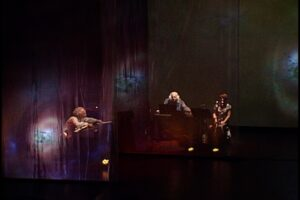 IiSWIS - ON THE HILL - Performance image 1